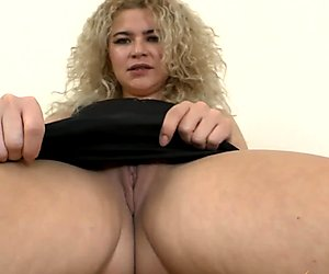 Angel Diamonds Pleasures Her Mature Pussy