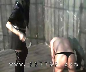 Japanese Femdom facesitting on the slave captured by her.