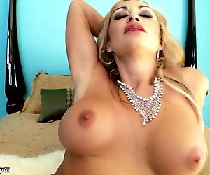 Astonishing milf Claudia Valentine rubs her wet pussy joyfully