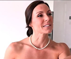 Stepmom Kendra Lust and Giselle Mari threesome