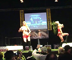 Hot cocksharing show on stage