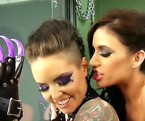 Group of freaky lesbians have an S&M orgy in jail